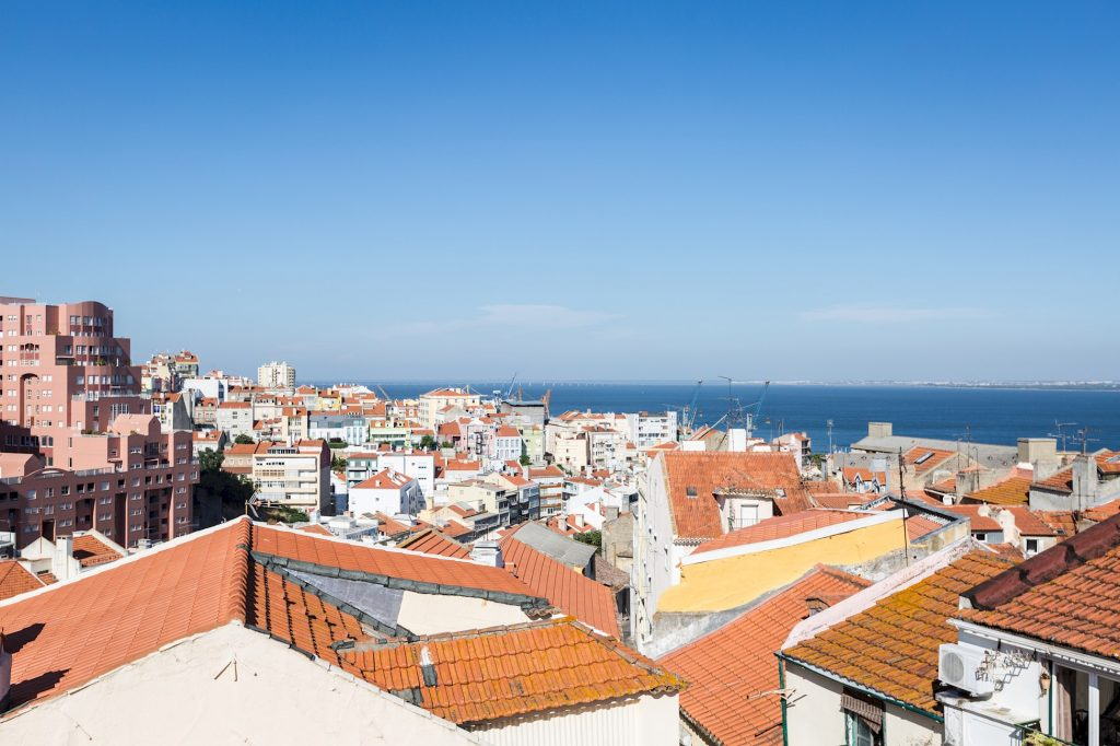 Gem Lisbon Rental Apartment, Romantic Gem in Graça, exterior sea view