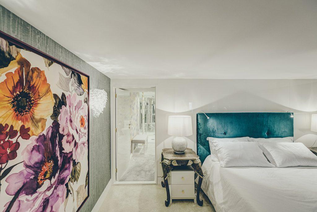 Gem Lisbon Rental Apartment, Deco Gem, Luxury in Bica, beautiful bedroom