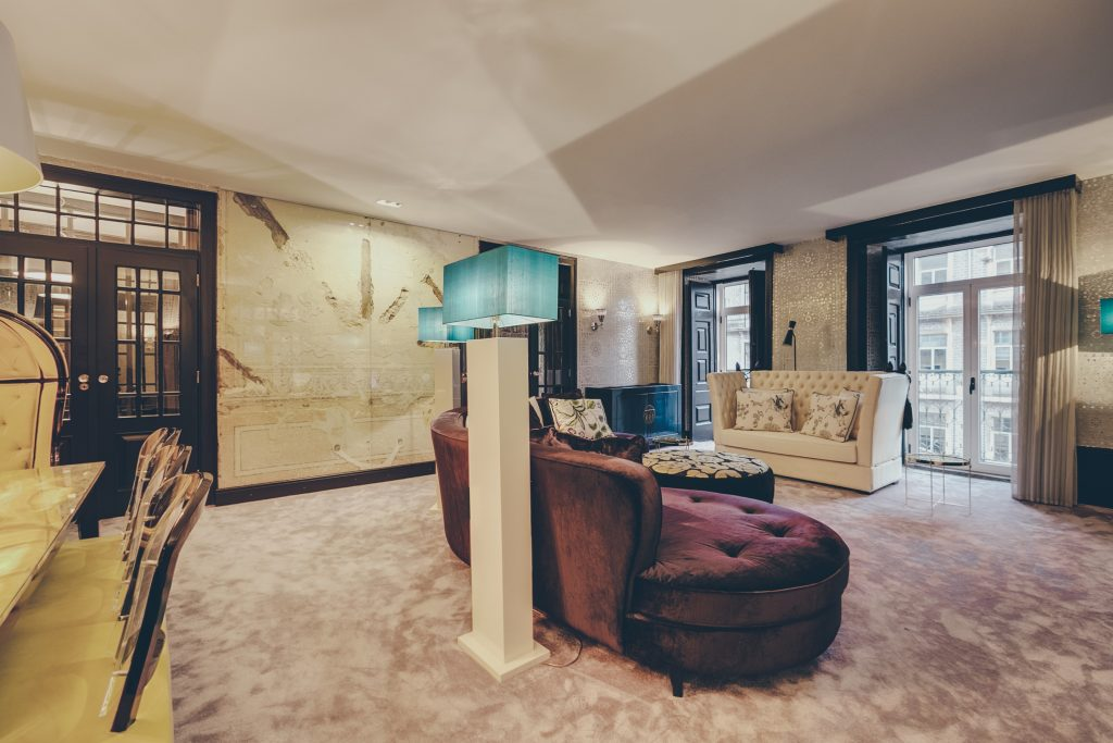 Gem Lisbon Rental Apartment, Master Deco Gem Luxury in Bica, luxury living room