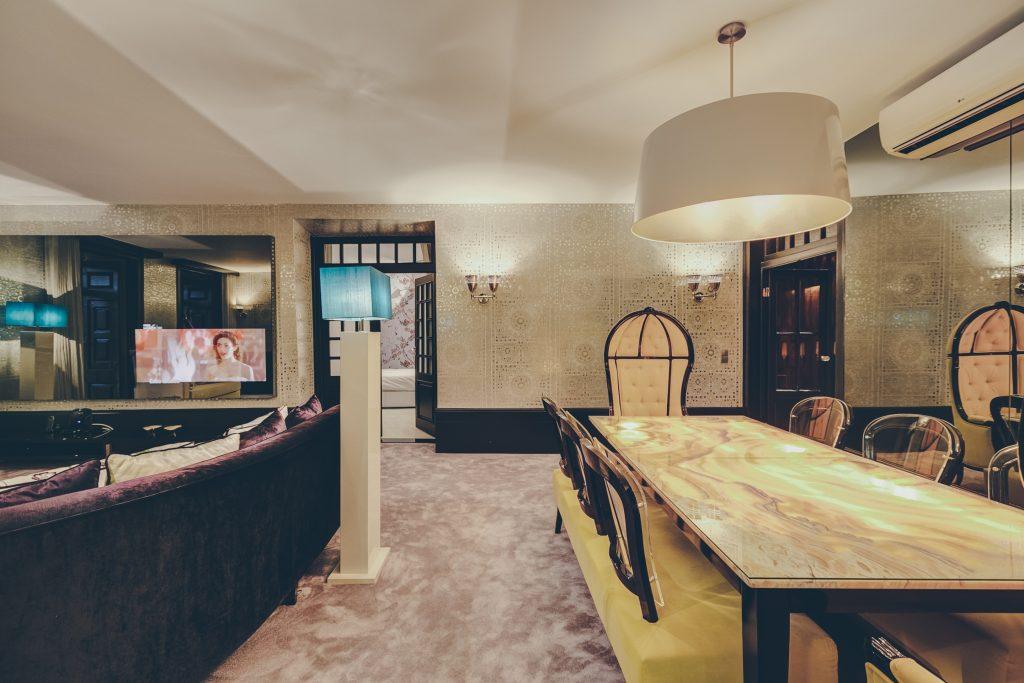 Gem Lisbon Rental Apartment, Master Deco Gem Luxury in Bica, luxury dining room