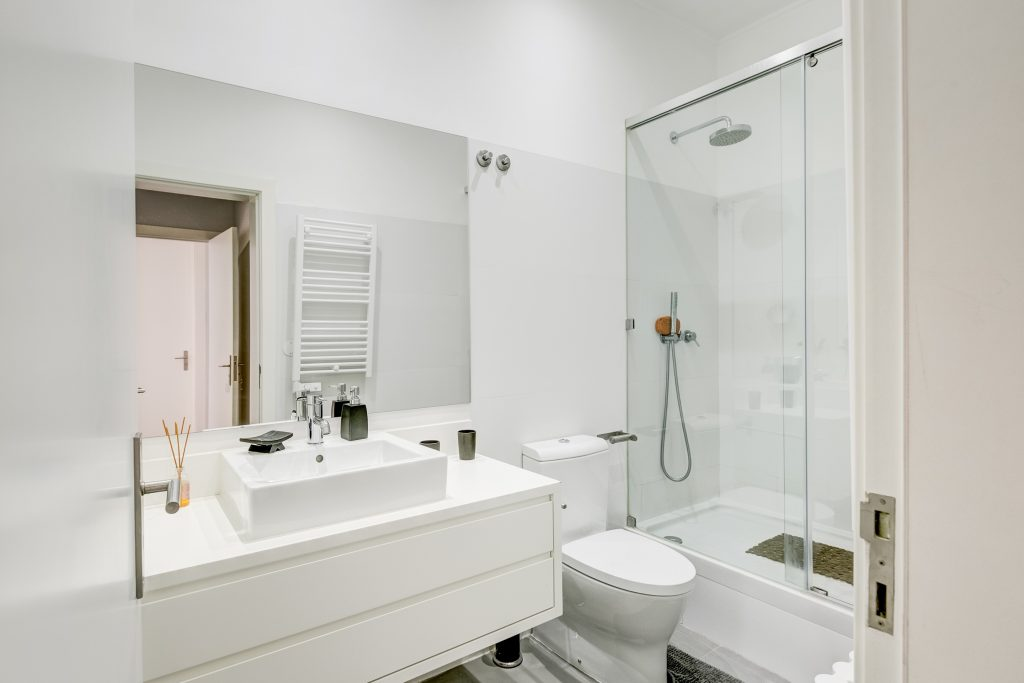Gem Lisbon Rental Apartment, Master Deco Gem in Bairro Alto, bathroom