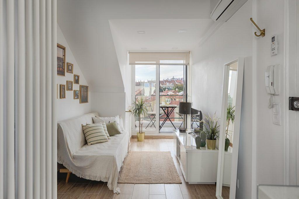 Romantic Gem in Alcântara, Gem Lisbon Rental Apartments, living room and balcony