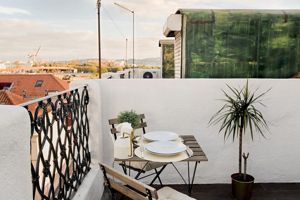 Gem Lisbon Rental Apartment, Romantic Gem in Alcântara, terrace, alcântara neighbourhood