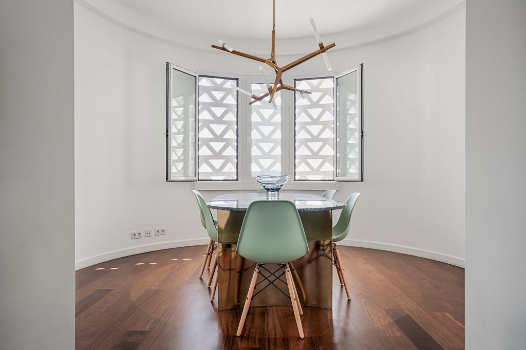 Gem Lisbon Rental Apartment, Deco Gem in City Center, beautiful dining room