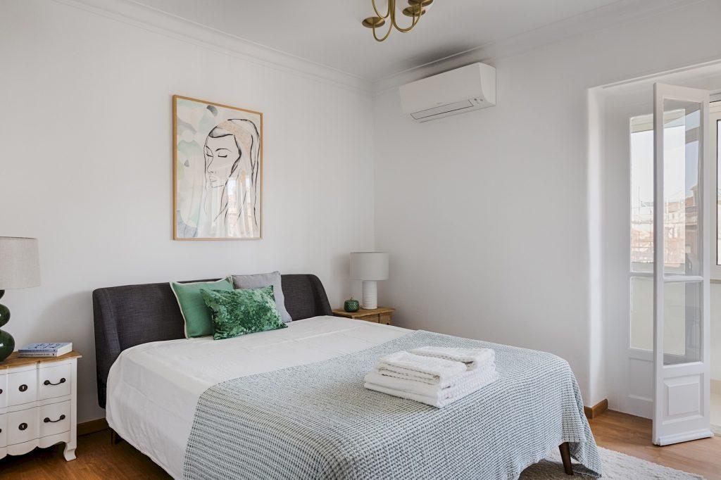 Gem Lisbon Rental Apartment, Master Deco Gem in Graça, bedroom