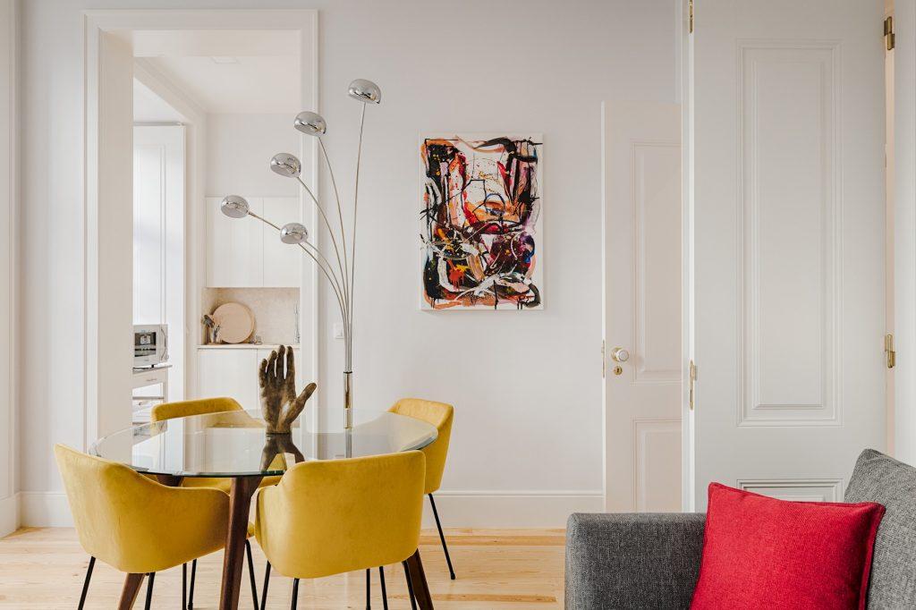 Gem Lisbon Rental Apartment, Architectural Gem in Baixa, beautiful dining room