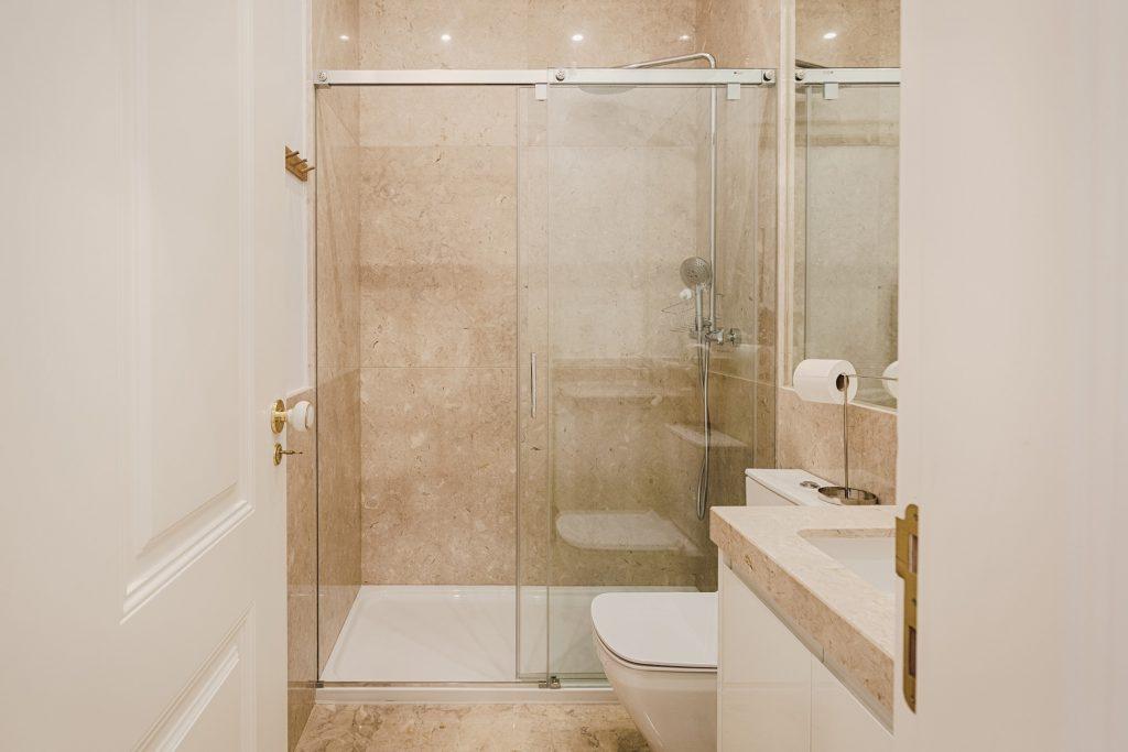 Gem Lisbon Rental Apartment, Architectural Gem in Baixa, bathroom