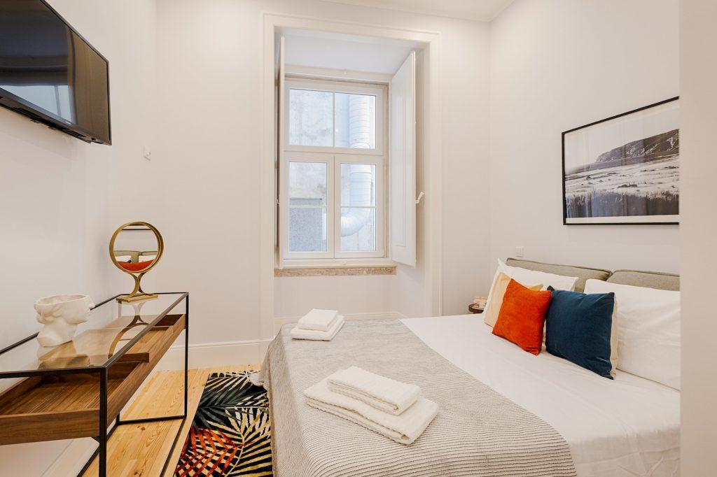 Gem Lisbon Rental Apartment, Architectural Gem in Baixa, bedroom