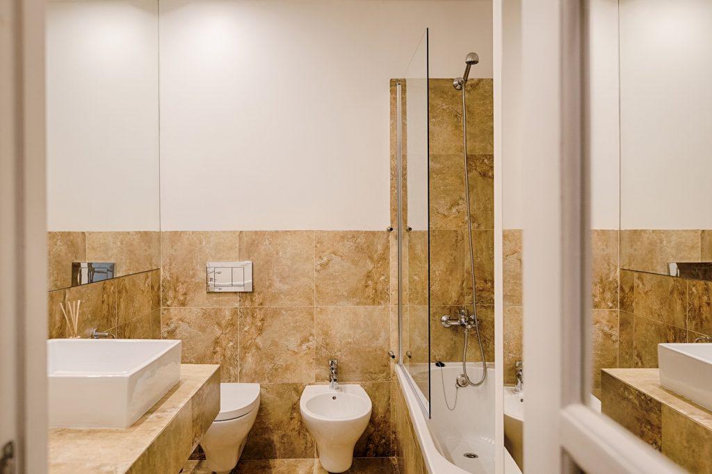 Gem Lisbon Rental Apartment, Historical Gem in Trendy Chiado, bathroom