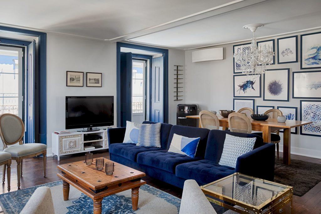 Gem Lisbon Rental Apartment, Master Deco Gem in Baixa, beautiful living room