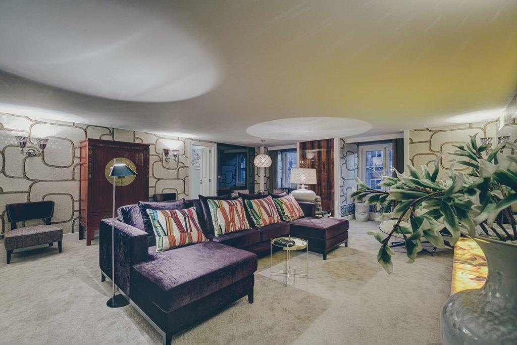 Gem Lisbon Rental Apartment, Deco Gem, Luxury in Bica, beautiful living room