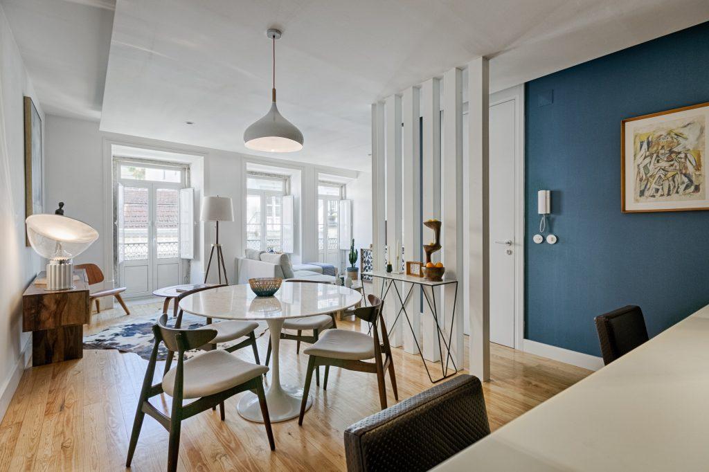Gem Lisbon Rental Apartment, Deco Gem in Santa Catarina, beautiful dining room